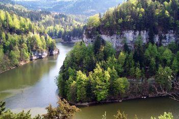 Malerische Fahrt auf dem Doubs