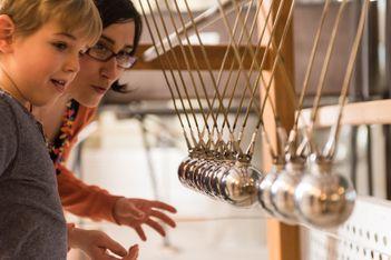 Entdecken Sie Ihre 5 Sinne und deren Geheimnisse während einer lustigen und unterhaltsamen Ausstellung  im Sensorium wieder!