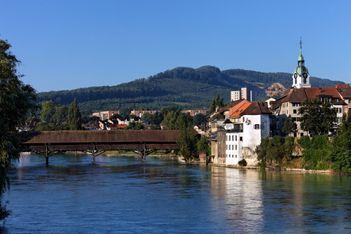 Die Schweizer Literaturstadt enführt ihre Gäste in eine Welt der Lieder und Geschichten, in schöne Naturwelten abseits von Menschenströmen an der Aare