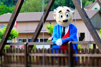 Papa Moll lädt grosseund kleineGäste zu abwechslungsreichen Aktivitäten und vergnüglichen Tagenim Papa Moll-Land ein.