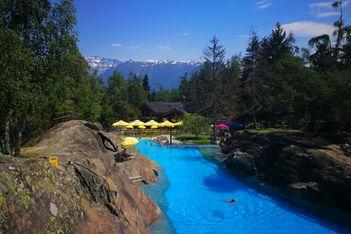 Tierpark und Alpenschwimmbad im Wallis