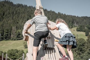 Klangerlebnisweg und Bergerlebnisweg für Familien in Saanen