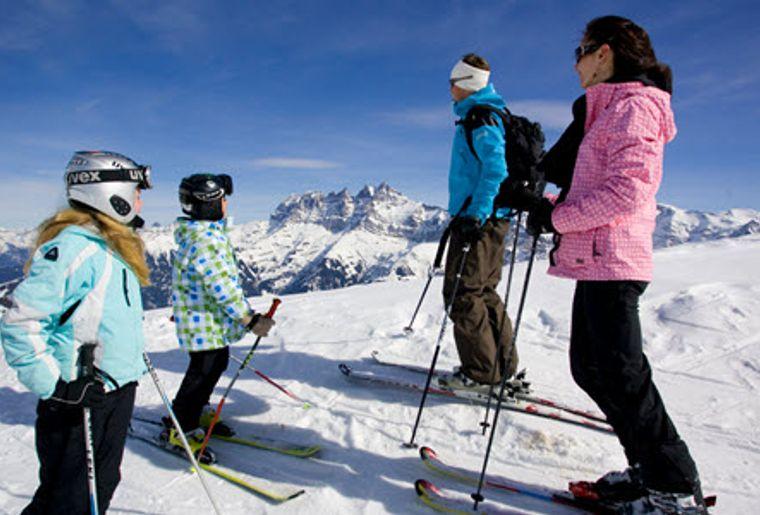 Les_Portes_Du_Soleil_Familie_Skifahren.jpg
