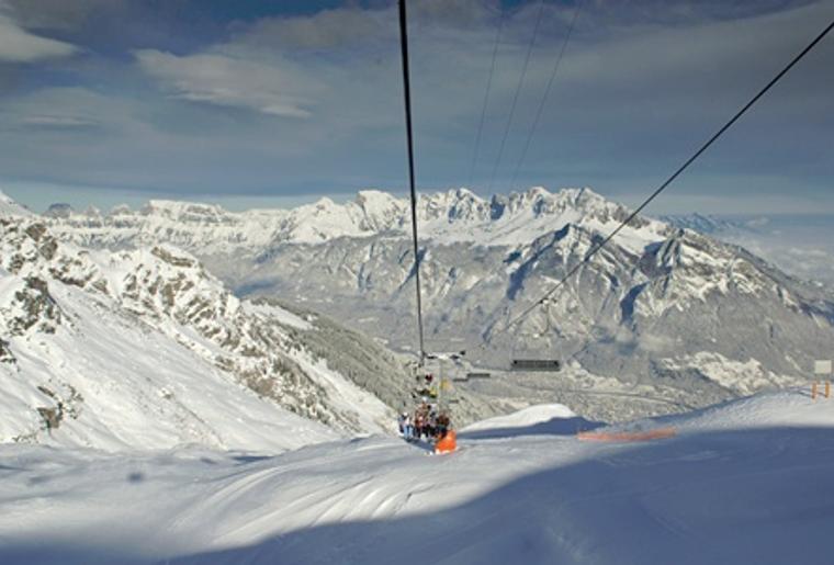 Pizol_sessellift_Panorama_Winter_Schnee_Erholung.png