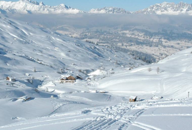 Praettigauer_Schlittelbahn_Panorama_Winter.png