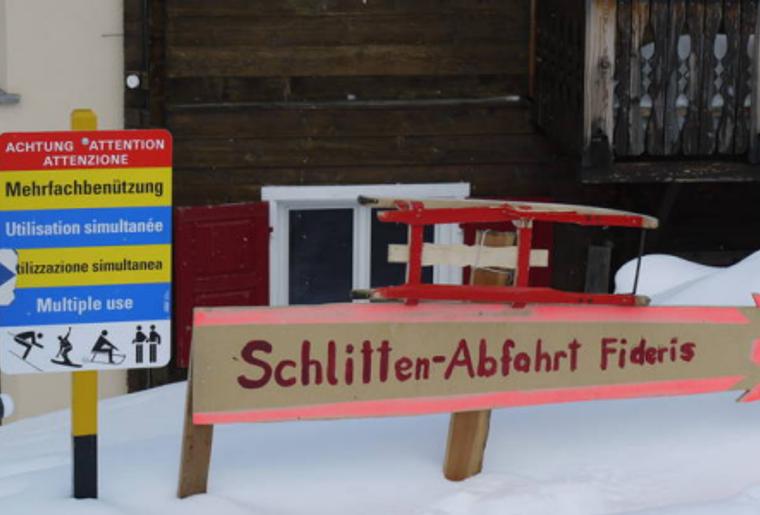 Praettigauer_Schlittelbahn_Tafel_Winter.png