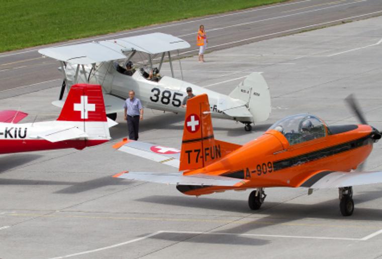 Fliegermuseum_Altenrhein_Flugzeuge_Flugbahn.png