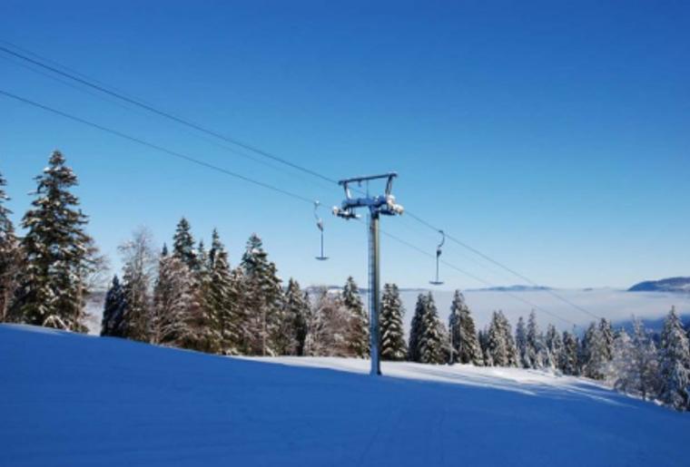 Buttes_La_Robella_Winter_Schnee_Aussicht_Panorama_Wald_Skilift.png