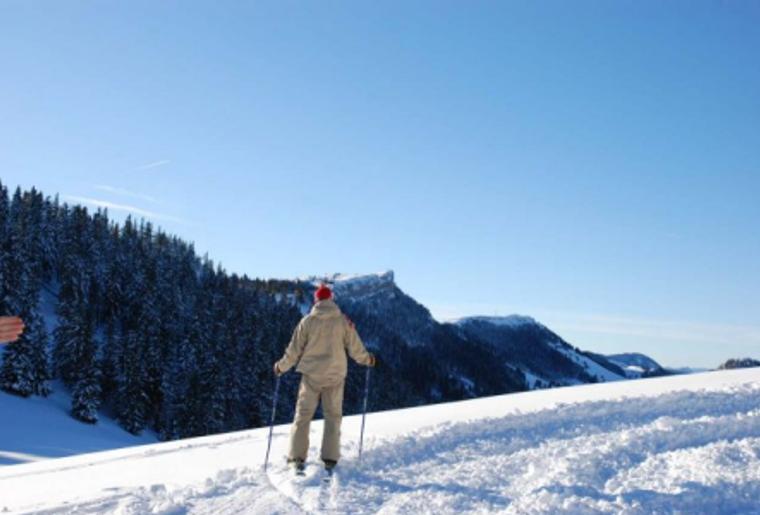 Buttes_La_Robella_Winter_Schnee_Skifahren_Aussicht.png