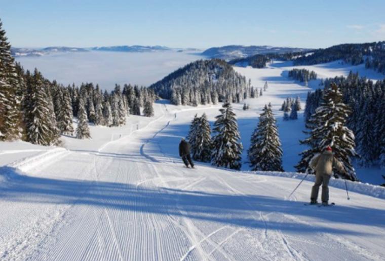 Buttes_La_Robella_Winter_Schnee_Skipiste_Skifahre_Ausicht_Panorama.png