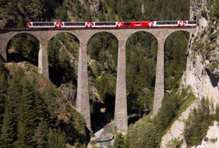 Rhatische Bahn Graubunden Chur Aktivitaten Freizeit Ch