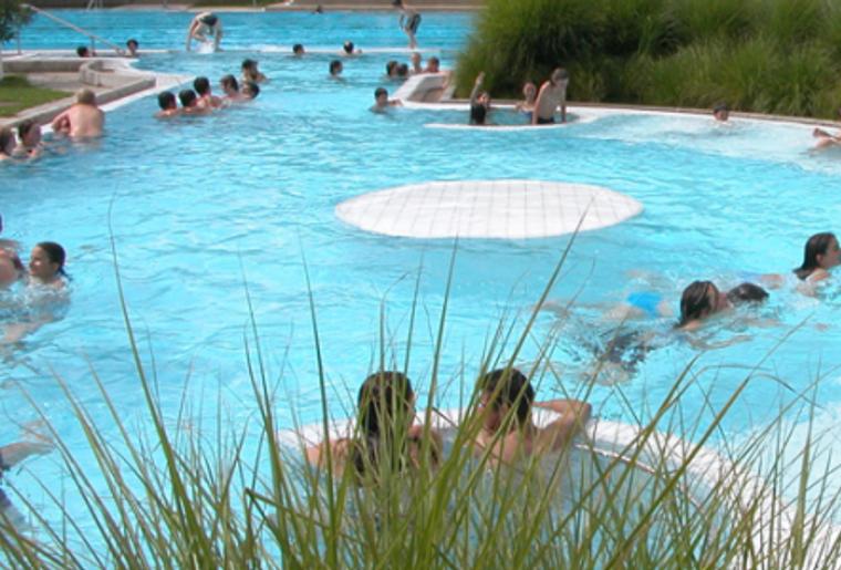 Freibad_KSS_Wasserpark_Aussen.png