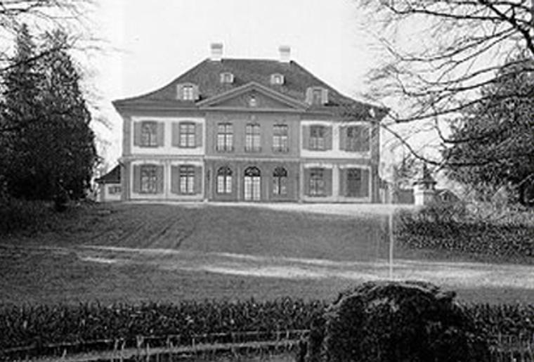 Schloss_Ebenrein_Nordeingang_1989.png