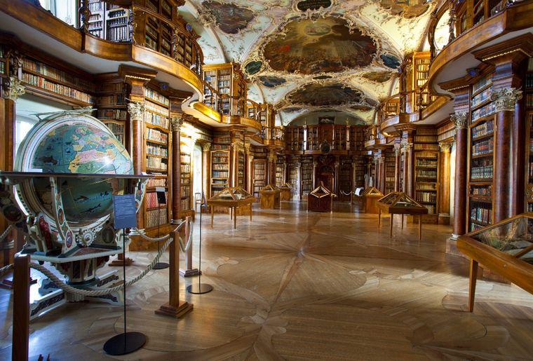 st.-gallen-stiftsbibliothek-9p.jpg