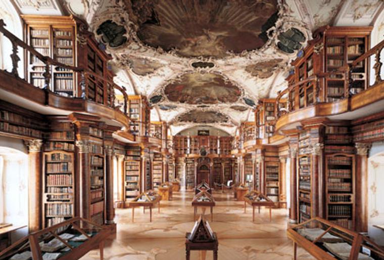 St.Gallen_Lapidarium_Barocksaal.png