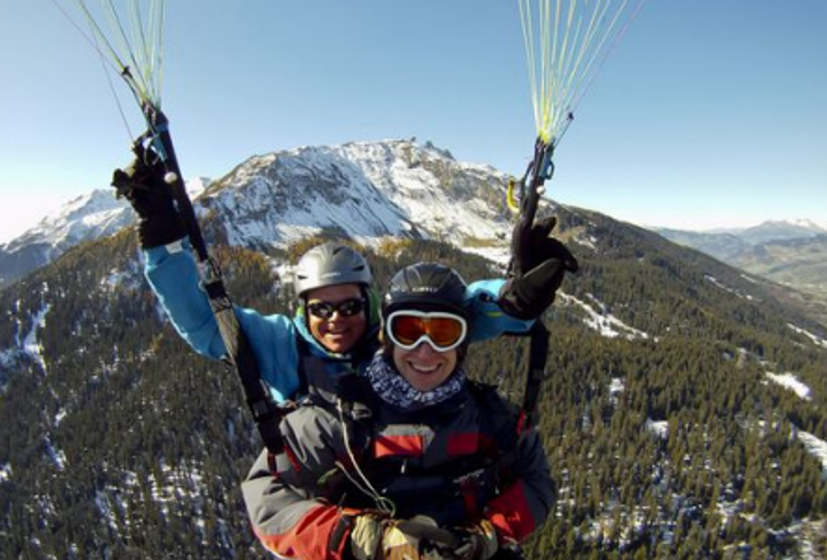 Paragliding_Davos_Winter_Maenner.png