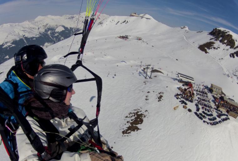Paragliding_Davos_Winter_SKilift.png