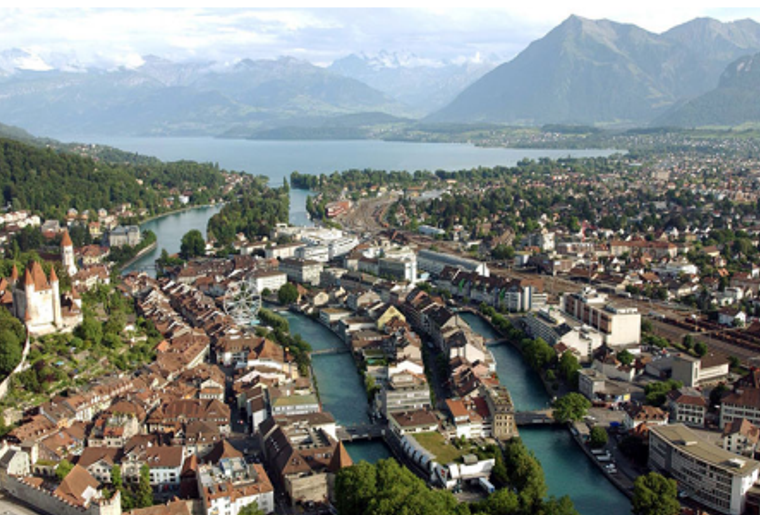 Foxtrail_Thun_Stadt_sommer.png