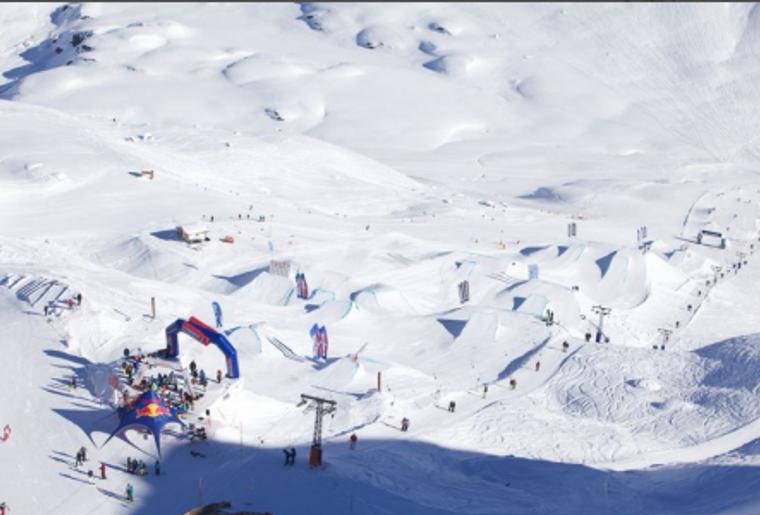 Skigebiet_Corvatsch_Skilift_Panorama.png
