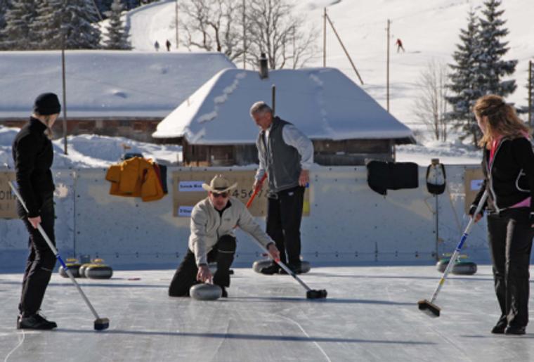 Landschaft_winter_schnee_wiriehorn_familie_curling.png