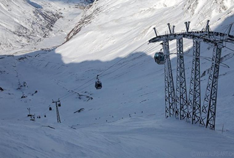 Bourg_St.Pierre_Skigebiet_St.Bernhard_Gondelbahn.png