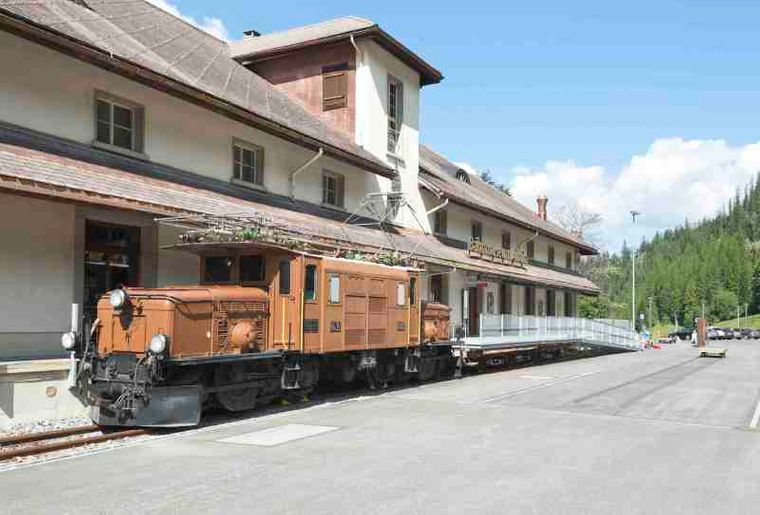 Aussenansicht Bahnmuseum Albula _DLZ BFT RHB.JPG