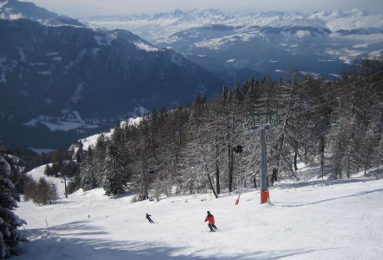 feldis_winter_schnee_skipiste_skifahren.png