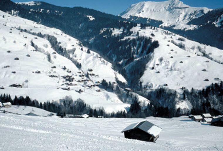 Habkern_Skigebiet_Sattelegg_Aussicht_Hütte.jpg