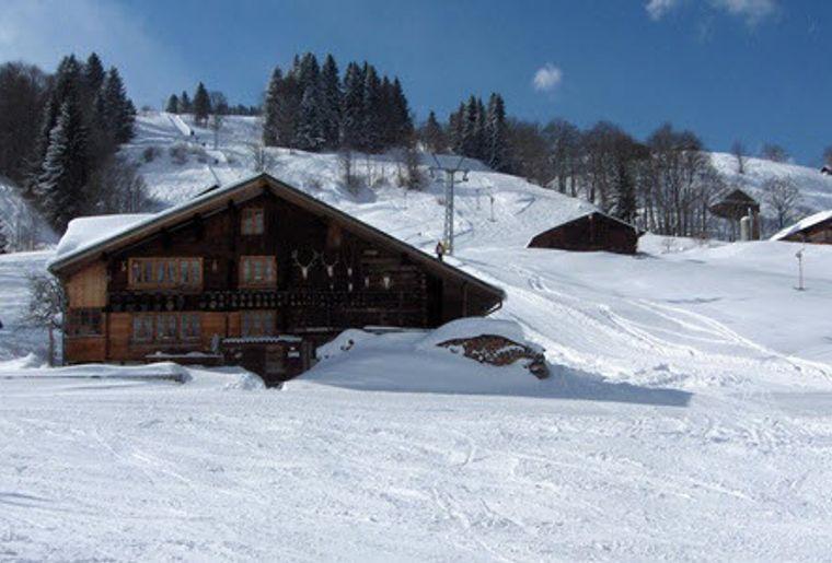 Habkern_Skigebiet_Sattelegg_Aussicht_Hütte_Nah.jpg