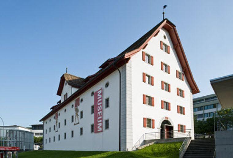 Forum Schweizer Geschichte Schwyz 1.jpg