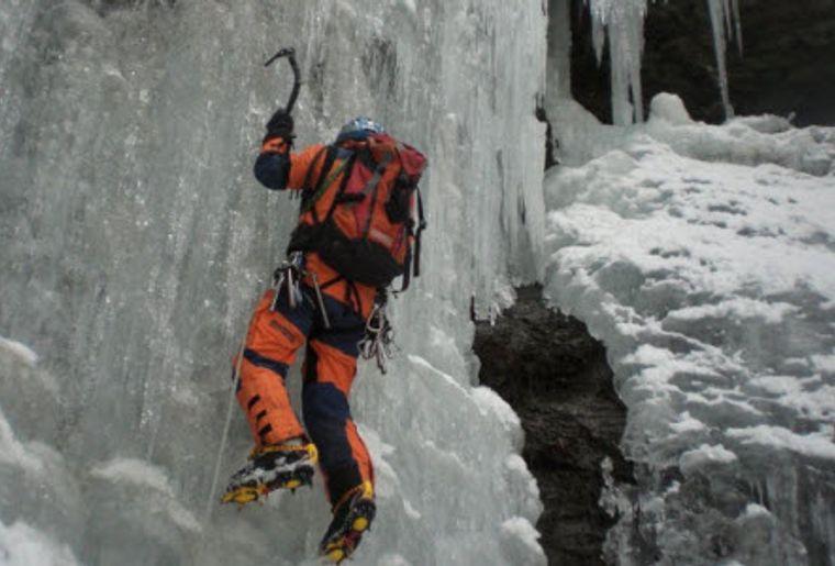 Eisklettern Pontresina 4.jpg