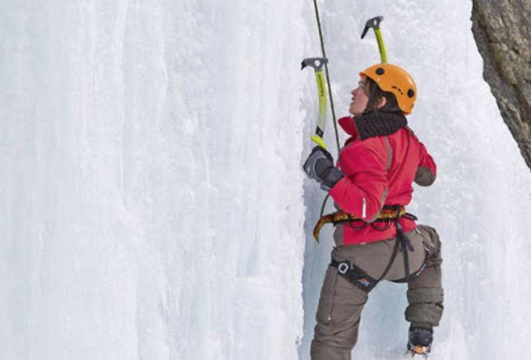 Eisklettern Pontresina 5.jpg