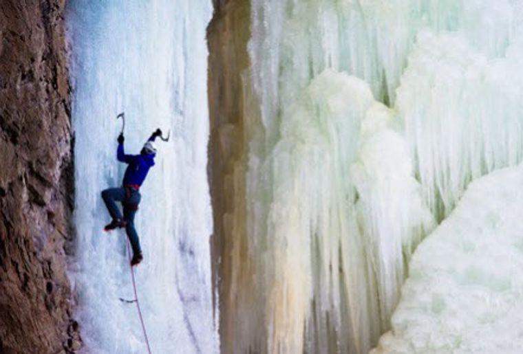Eisklettern Pontresina.jpg