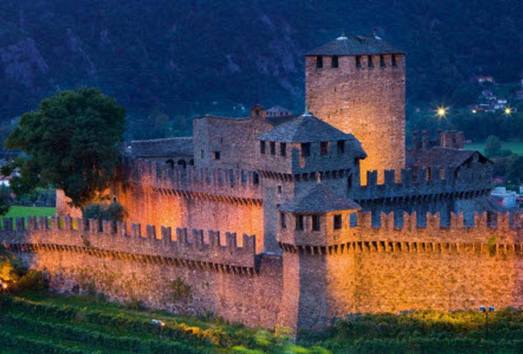 Burgen Bellinzona 2.jpg