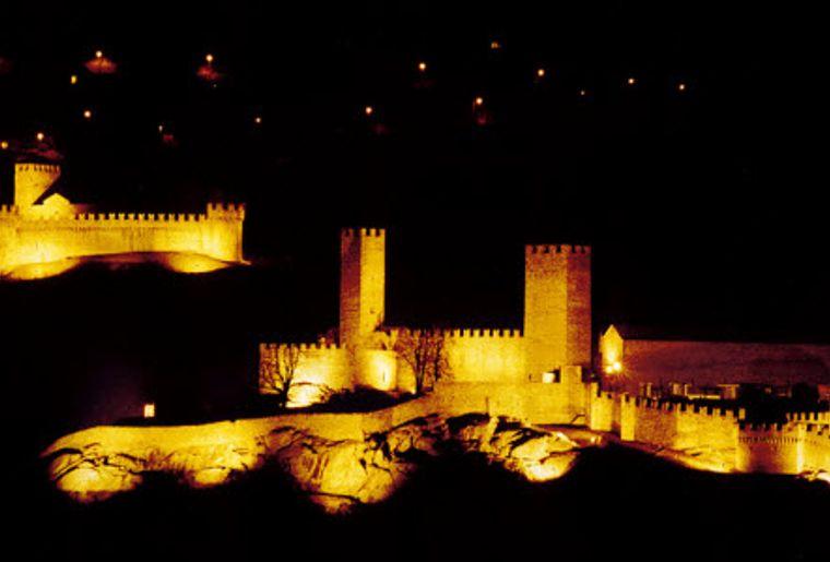 Burgen Bellinzona 1.jpg