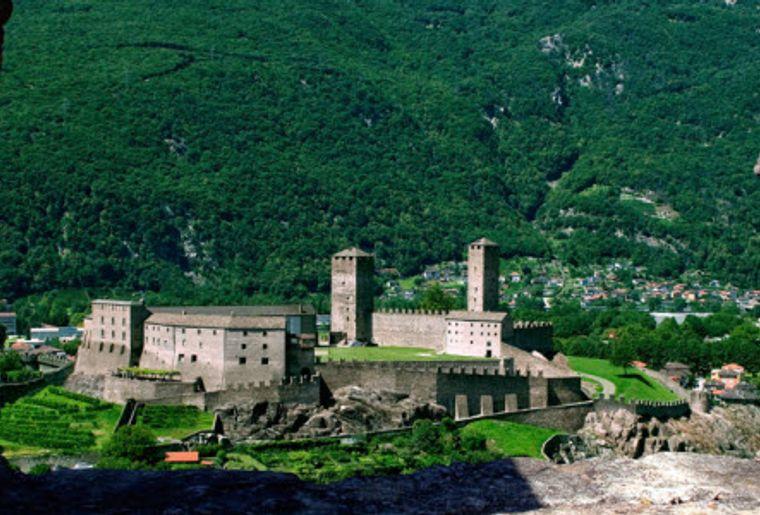 Burgen Bellinzona 3.jpg