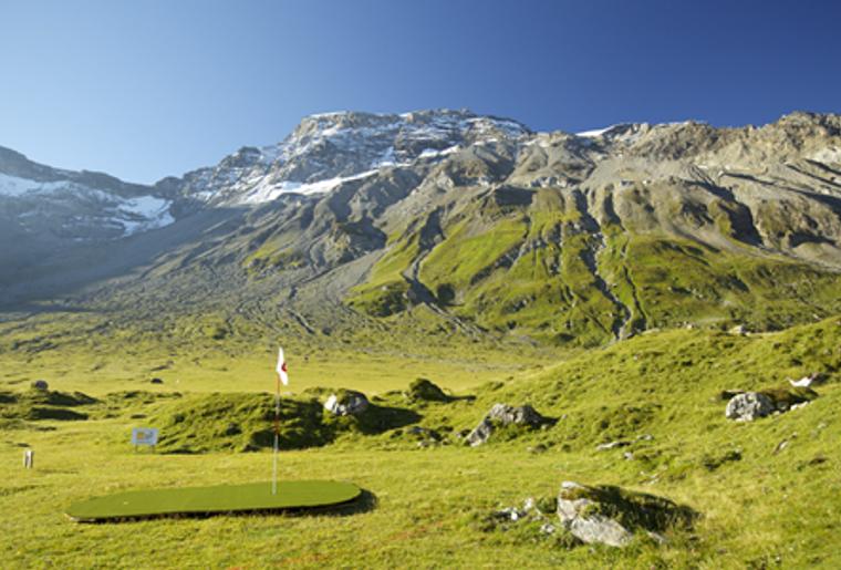 GolfMountain_Bergaussicht_Golfspielen.png