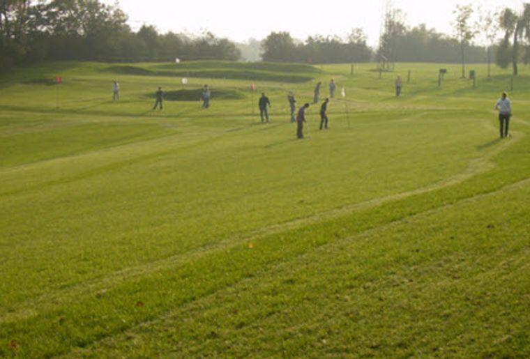 Swin Golf Neuenburg 2.jpg