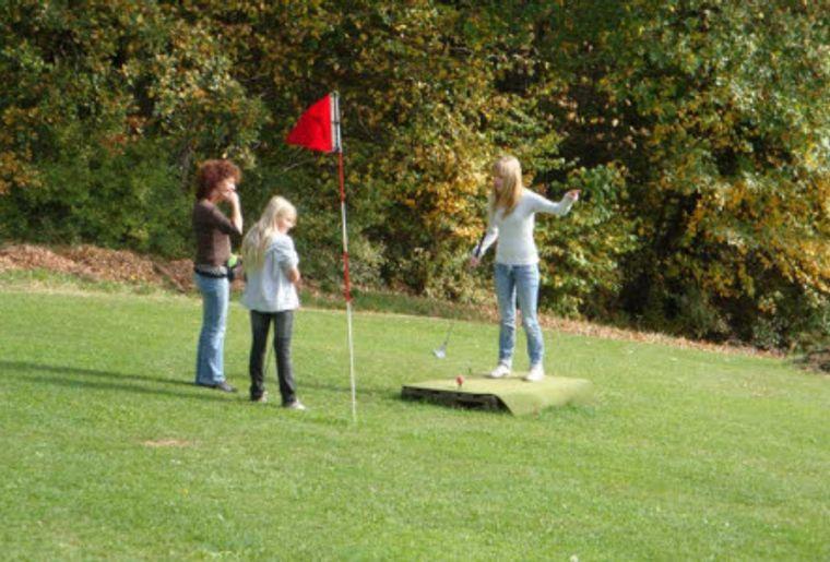 Swin Golf Neuenburg 3.jpg