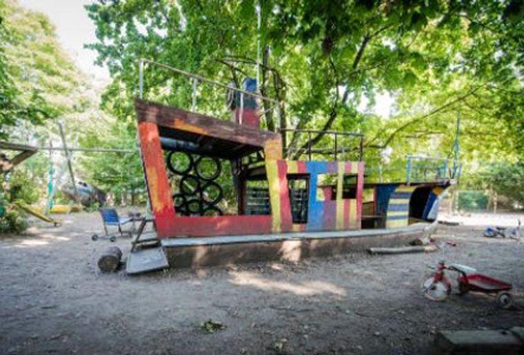 Spielplatz Längmuur Piraten ahoi.jpg