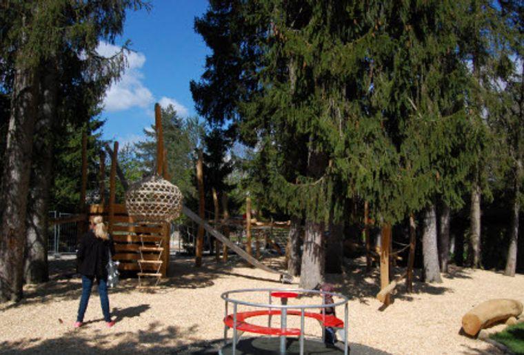 Park im Grüene Rüschlikon, Kinderspielplatz.jpg