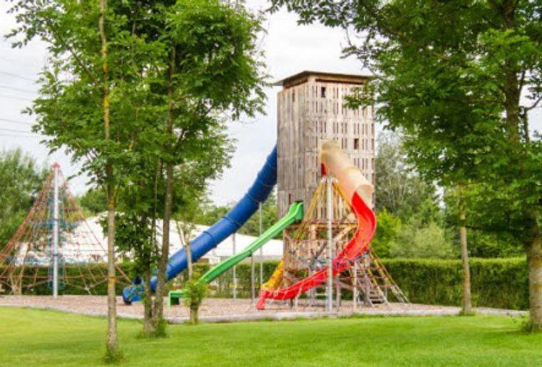Milandia Kinderspielplatz.jpg