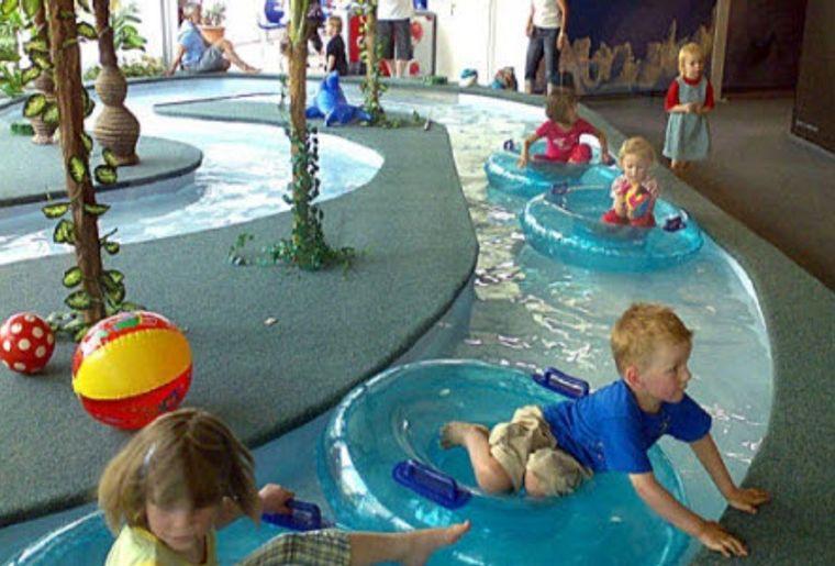 Mysty Land Wassergraben Indoor.jpg