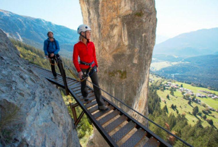 Klettersteig Nähe Zürich : Historischer klettersteig pinut graubünden flims dorf wandern