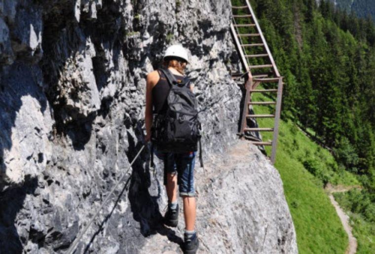 Klettersteig Pinut : Historischer klettersteig pinut graubünden flims dorf wandern