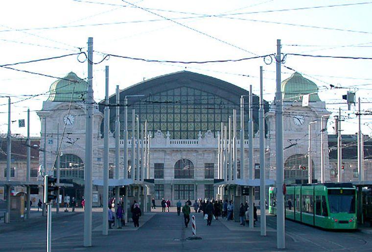 Central-Bahnhof_SBB_von_Basel.jpeg