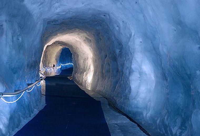 Zermatt-gletscher-paradise.jpg