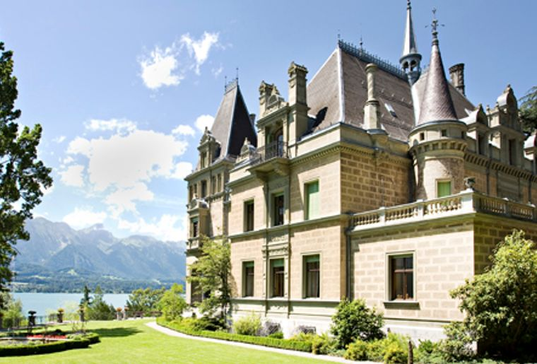 Lake_Castle_Schloss-Huenegg-Hilterfingen_korr.jpg
