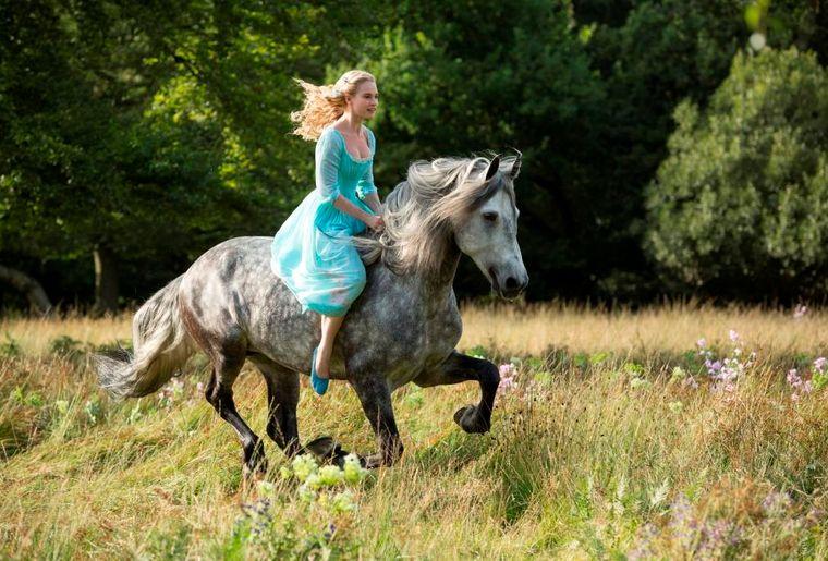 Cinderella LA_Bild 1 (reitend) mi-res.jpg
