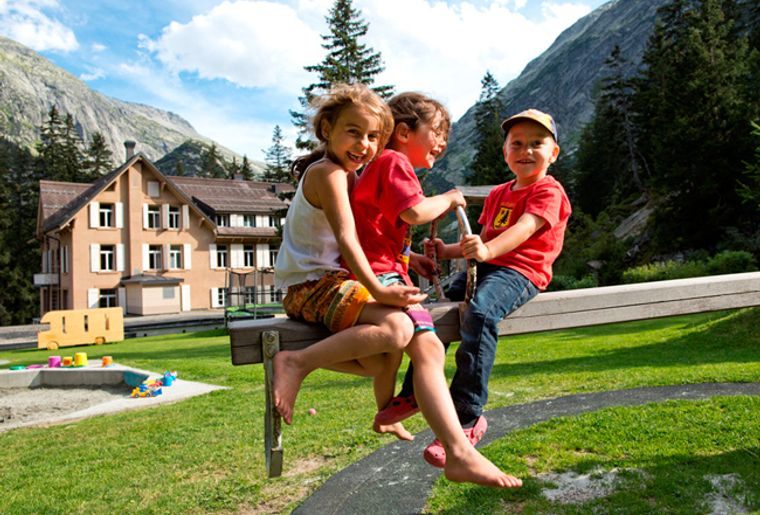 Spielplatz_Handeck_2012_klein_jpg_650500.jpg